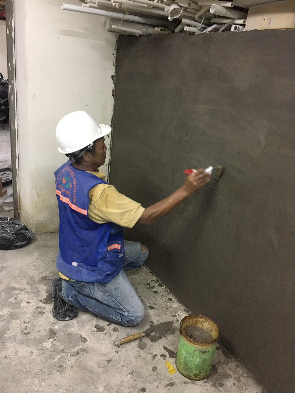Trát tường với vữa chống thấm
